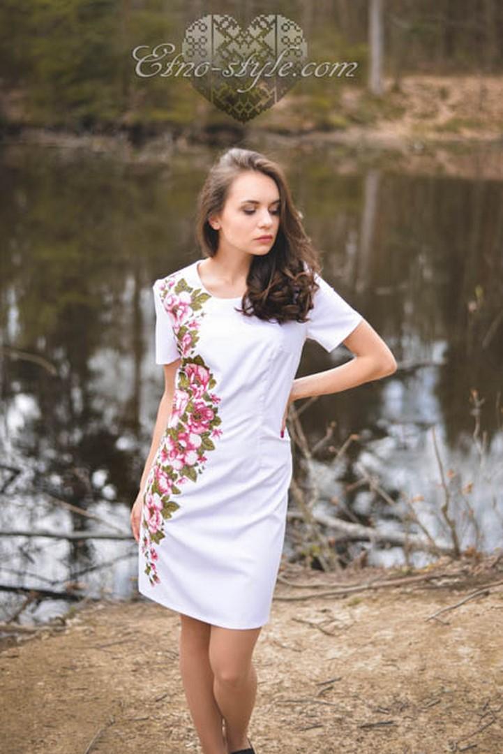 Жіночі вишиті плаття Весняна ніжність. Знижки до 50% 36e98eeb1bd0b